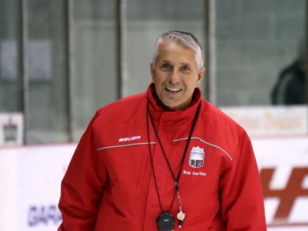 Vecāku asamblejas ietvaros aicina vērot atklāto hokeja treniņu pie trenera Boba Hārtlija