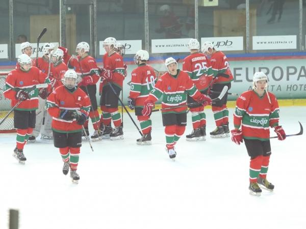 LSSS jaunieši hokejā pieveic turnīra tabulas līderus