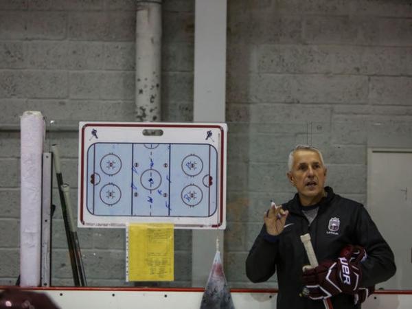 No Boba Hārtlija mācās LSSS hokeja treneri