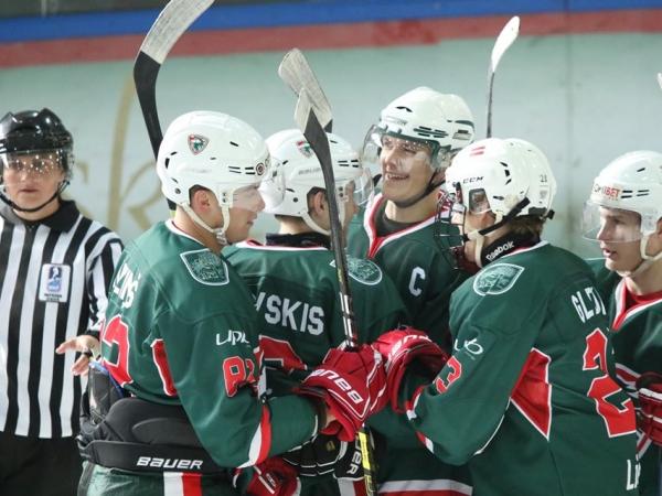 JAHL hokejistiem četras uzvaras pēc kārtas